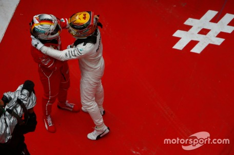 f1-chinese-gp-2017-lewis-hamilton-mercedes-amg-and-sebastian-vettel-ferrari-celebrate-in-p